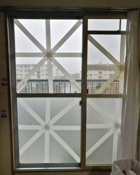 窓ガラス補強 .jpg